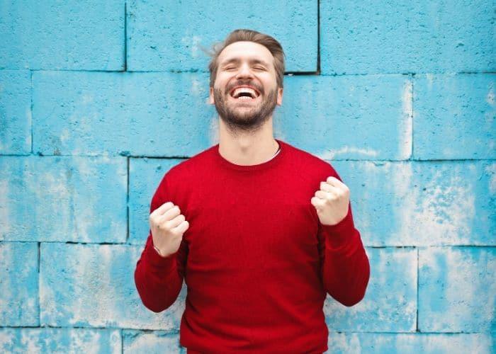 sonrisa con tratamiento fracturas dentales